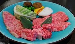 特選飛騨牛焼肉大皿300g.png
